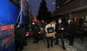 1-Ukrcavanje radnika u autobus za Rovinj
