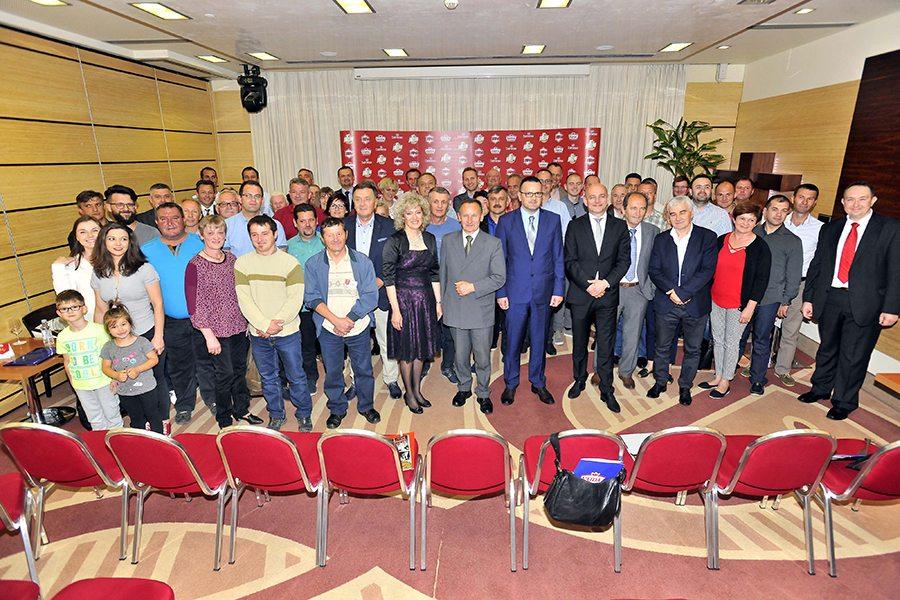1-predstavnici Vajde i Grupacije Pivac s kooperantima i gostima