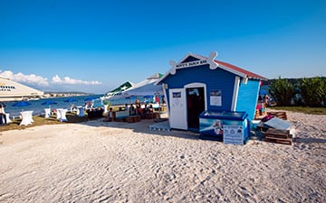2-Monty's Dog Beach & Bar u Rabu