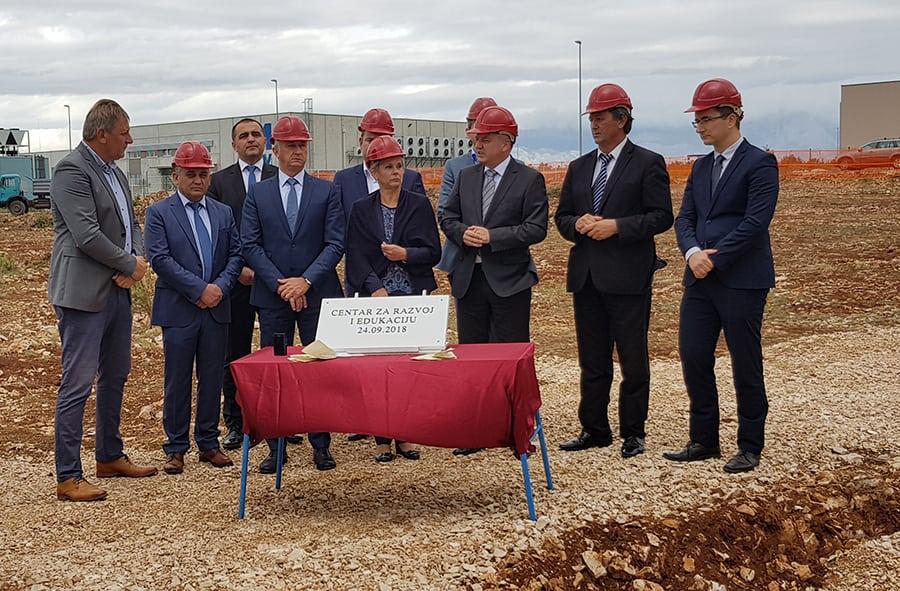 U Općini Poličnik položen kamen temeljac za izgradnju Centra za razvoj i edukaciju vrijednog 25 milijuna kuna