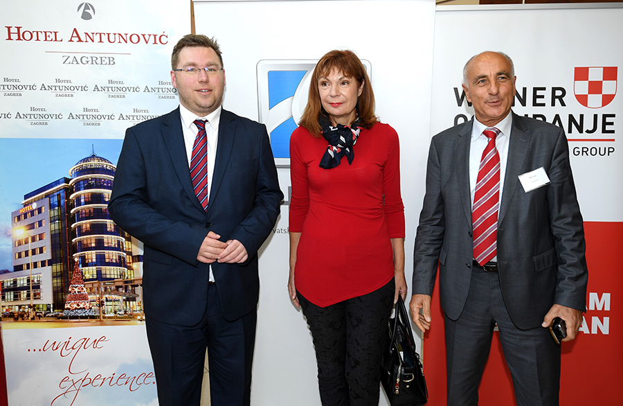1-Ministar Pavic_Gordana Deranja i Ivan Bracic.jpg