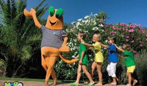 Maskota Maro s djecom