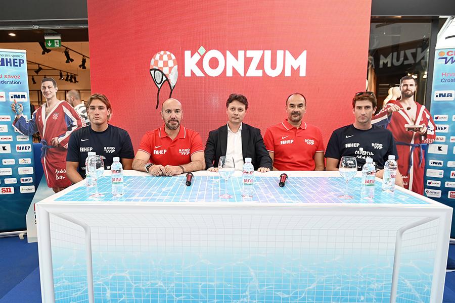 1-Ante Vukicevic, Ivica Tucak, Slavko Ledic, Perica Bukvic i Maro Jokovic vaterpolo