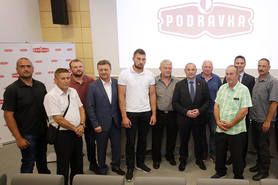 Podravka za uspješnu suradnju nagradila OPG-ove u vlasništvu hrvatskih branitelja i njihovih obitelji