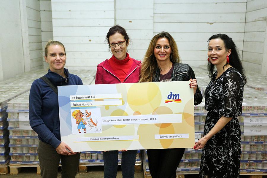 dm donirao 21.204 konzervi hrane za napuštene pse u Skloništu u Čakovcu